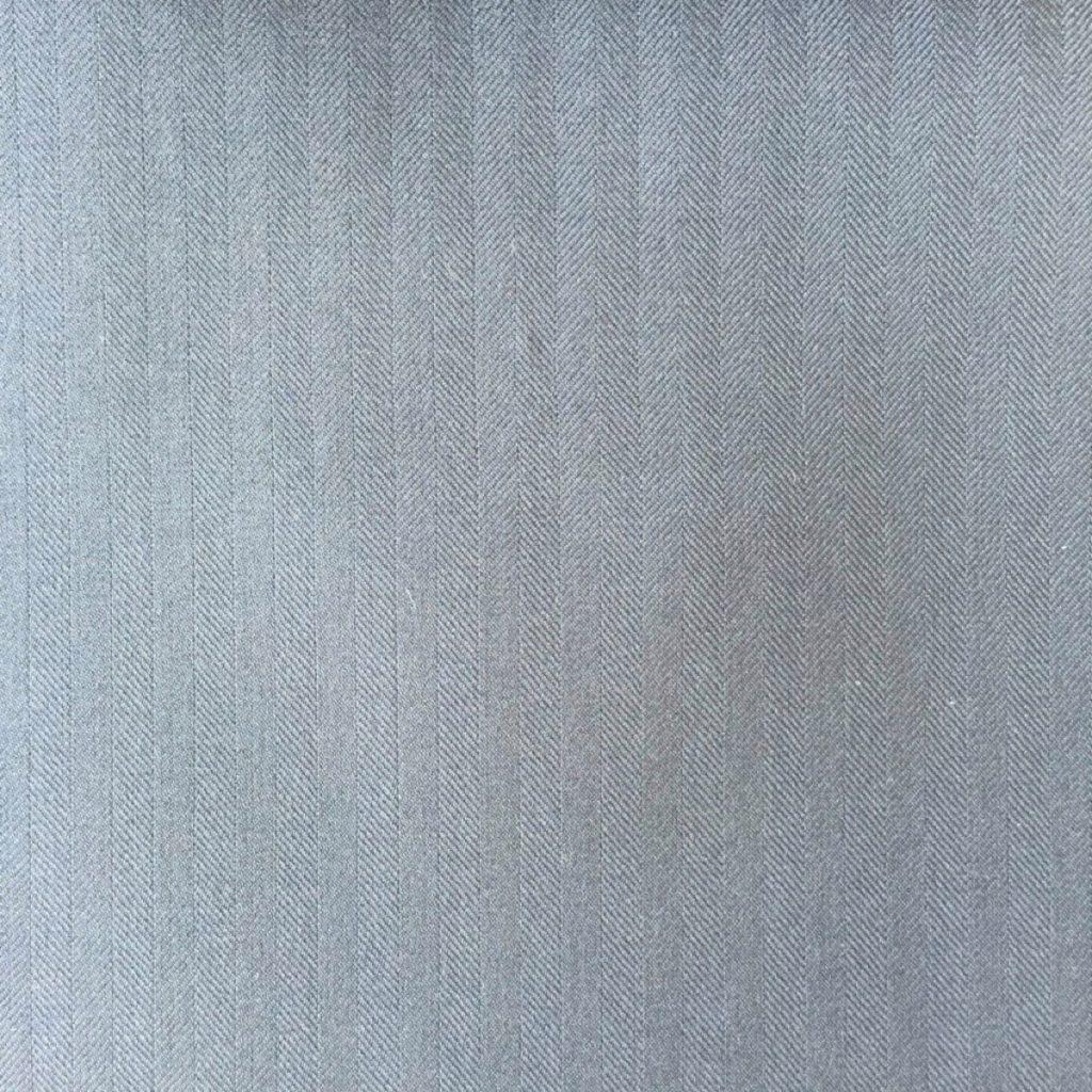 Hochwertigste Schurwollen S150 Qualität mit 15% Seidenbeimischung im klassischen dezentem Fischgrat in Navy